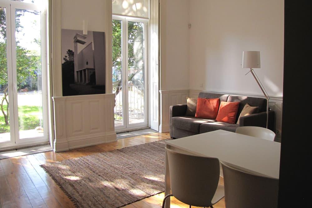 Апартаменты, 1 спальня, вид на сад (Ground Floor) - Гостиная