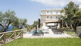 Choose This 4 Star Hotel In Massa Lubrense