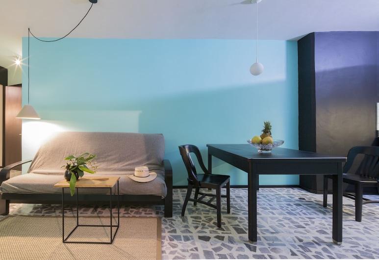 Lusitania Suites, Orizaba, Superior Suite, 1 Bedroom, Kitchenette, Courtyard View, Living Area