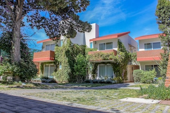 Picture of Privada 400 Casas & Suites in Pachuca