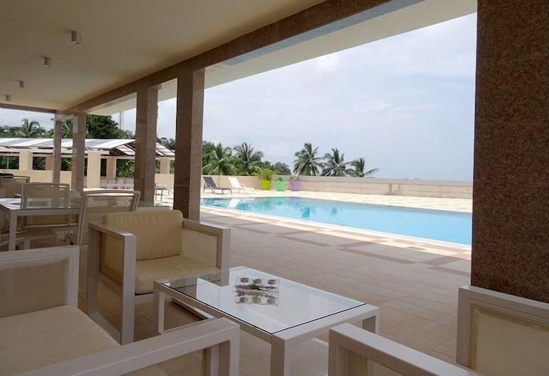 The Hub Hotel, Freetown, Piscina all'aperto