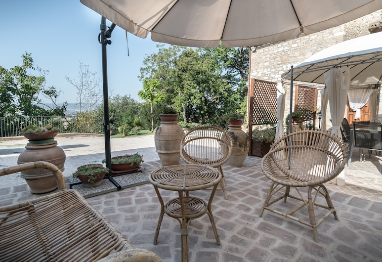 B&B Cantico delle Creature, Assisi, Terrace/Patio