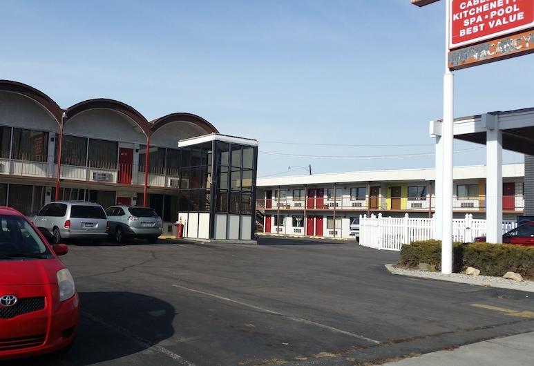 Executive Inn & Suites, פרובו