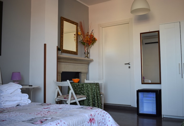 B&B Lost In Rome, Rome, Triple Room, Balcony, Guest Room