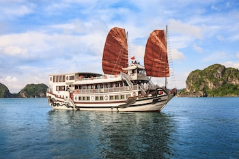 Picture of Halong Royal Palace Cruise in Halong