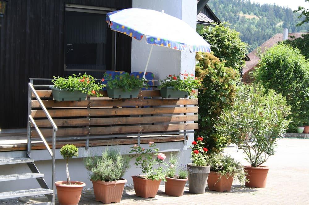 Апартаменты, балкон, вид на сад (Haupthaus) - Балкон