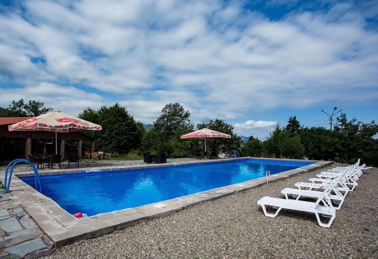 Tezh Ler Resort, Shahumyan, Bazen