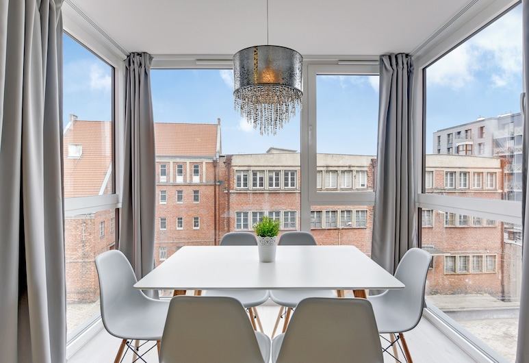 Apartinfo Chmielna Park Apartments, Gdansk, Executive Apartment, 2 Bedrooms, Balcony (with parking / 6 adults/55), Living Room