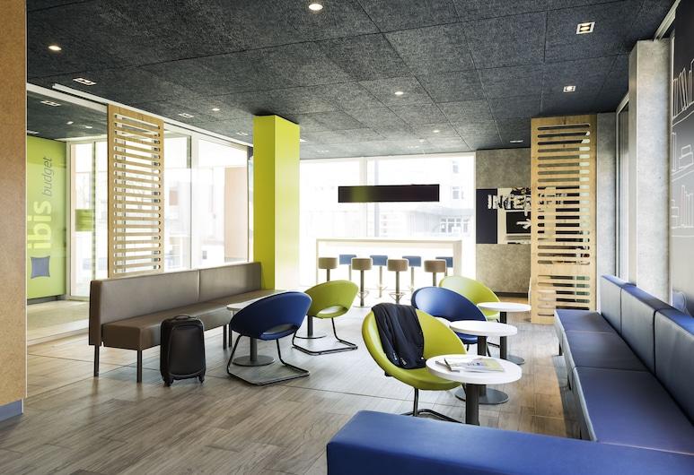 ibis budget Zurich Airport, Opfikon, Sala de estar en el lobby