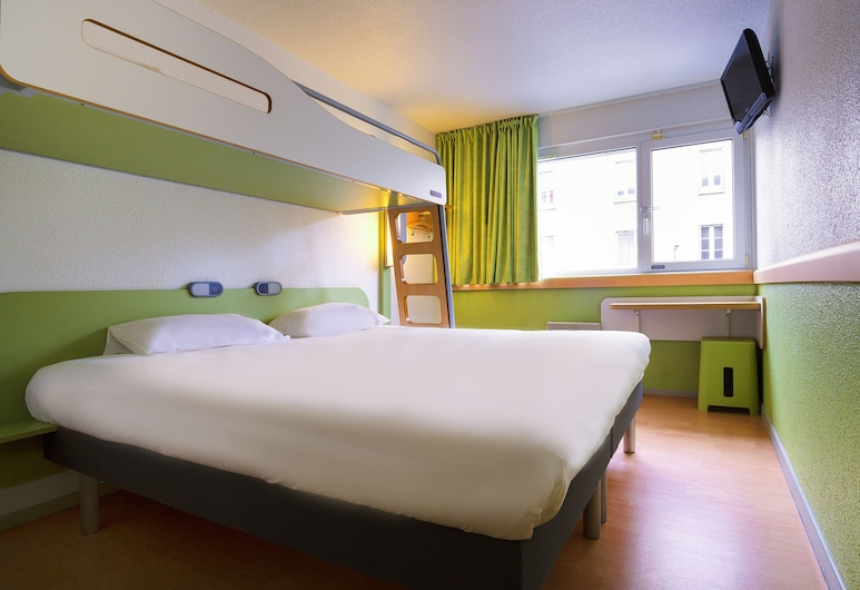 ibis budget Derby, Derby, Double Room, Multiple Beds, Guest Room