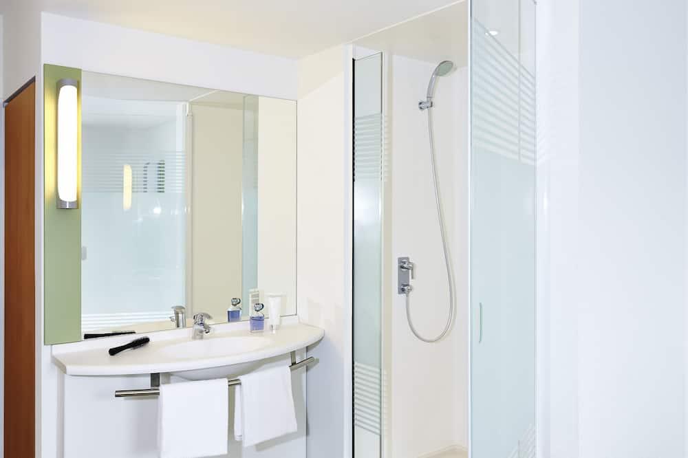 Kamar Twin Keluarga, Beberapa Tempat Tidur - Kamar mandi