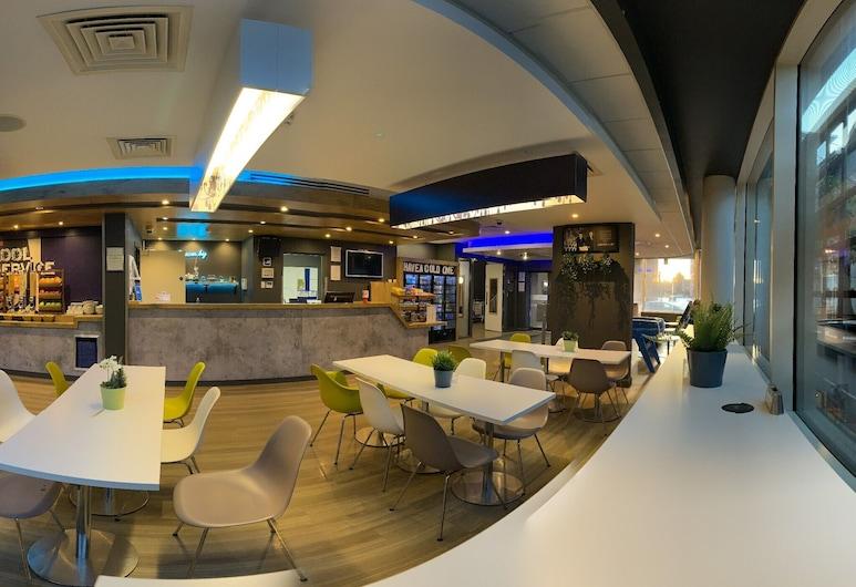 ETAP Belfast, Belfast, Lobby Lounge
