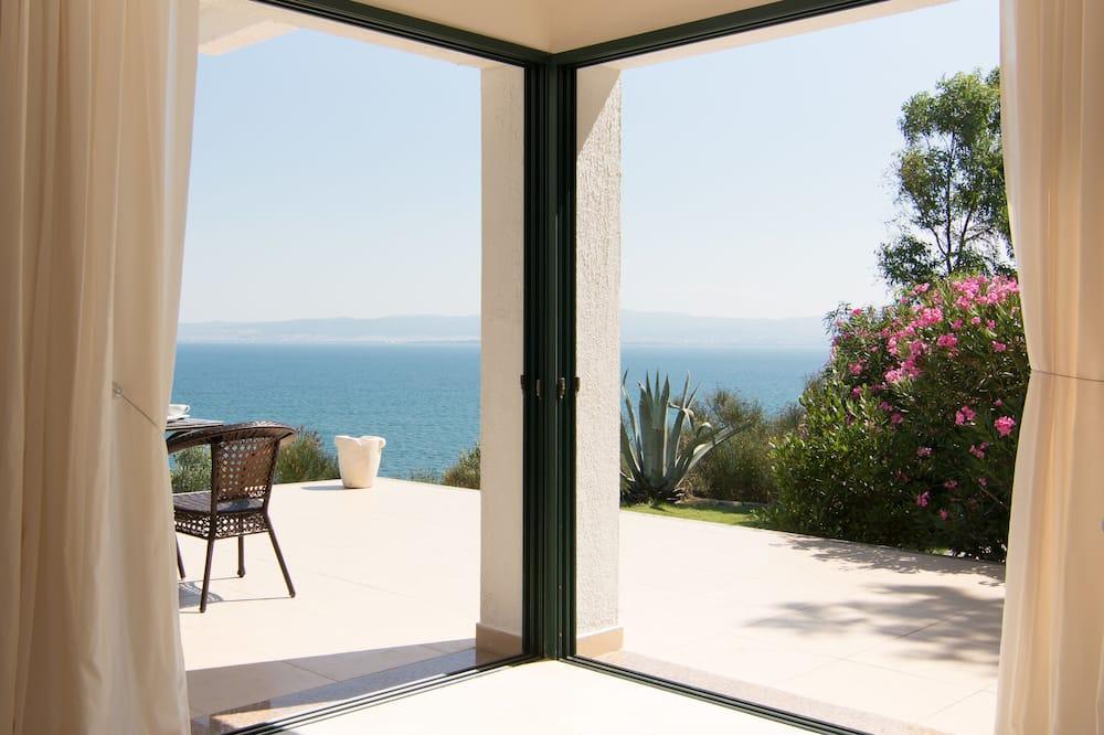 Luxury Bungalow, 2 Bedrooms, Fireplace (Starfish) - Living Area