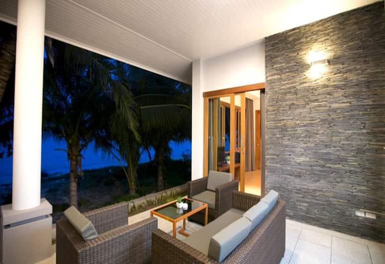 Grand Villa Beachfront by SAMUI GARDEN HOME, Ko Samui, Two-Bedrooms Villa, Sea View, Terrasse/Patio