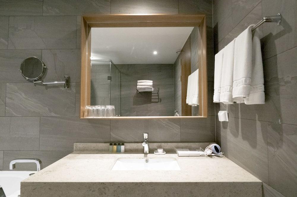 頂級套房 - 浴室