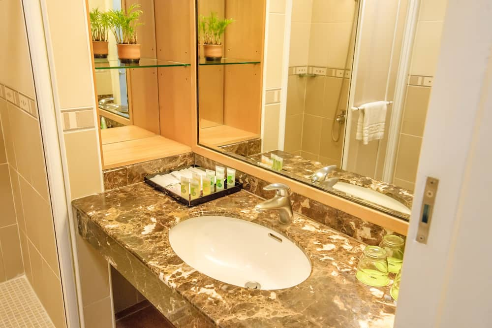 Standard  Japanese Room - Bathroom