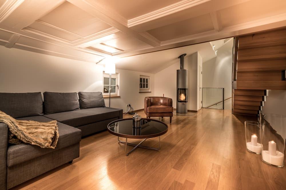 City Apart Daire, 2 Yatak Odası, Sigara İçilmez, Göl Kenarı - Oturma Odası