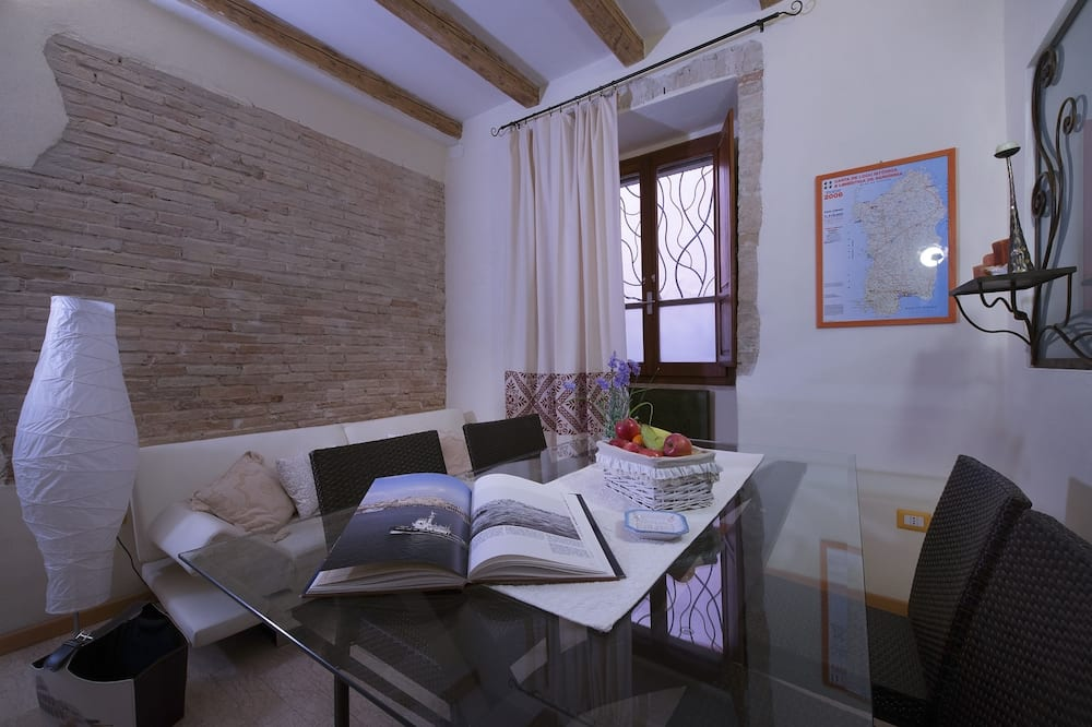 Apartment, 1 Bedroom (3 people) - Living Area