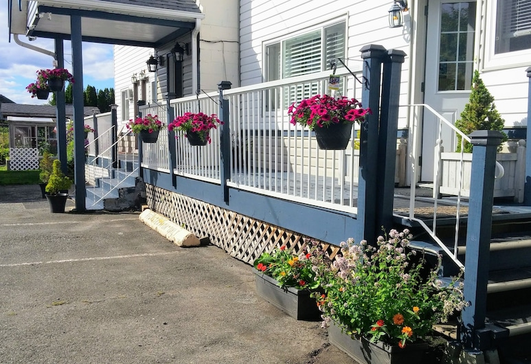 River Heights Motel, Courtenay