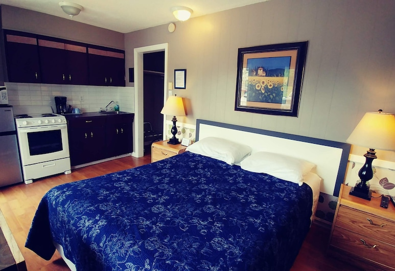River Heights Motel, Courtenay, Suite, 1 Bedroom, Kitchen, Guest Room