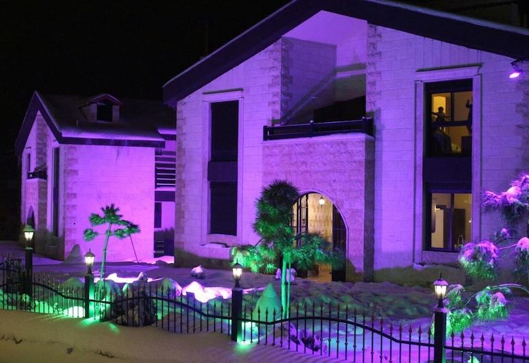 Ehden Village Residences, Ehden, Fassade der Unterkunft – Abend/Nacht