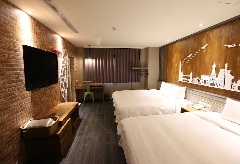 Central Hotel, Taoyuan City, Standard Quadruple Room, Guest Room