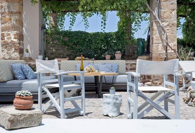 Voulamandis House, Chios, Garden