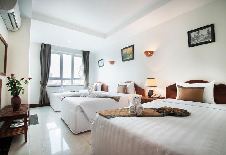 Relax Hotel, פנום פן, חדר דה-לוקס לשלושה, 3 מיטות יחיד, אמבטיה, נוף לעיר, נוף לעיר