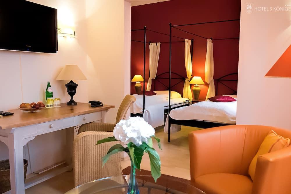 Двухместный номер «Делюкс» с 1 двуспальной кроватью, для некурящих - Зона гостиной