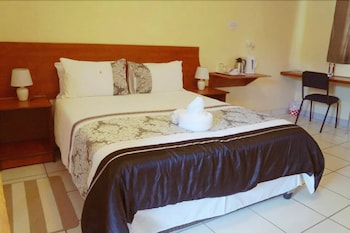 Picture of Qhwigaba Guest Lodge in Maun