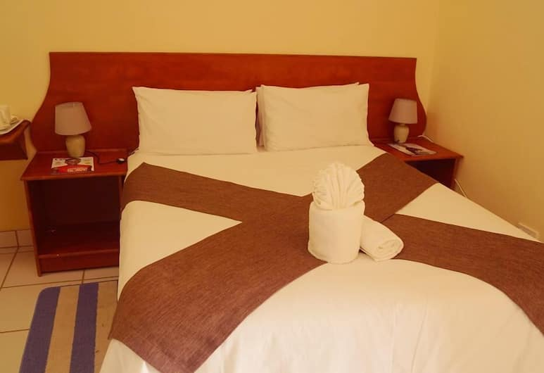 Qhwigaba Guest Lodge, Maun, Double Room, Guest Room
