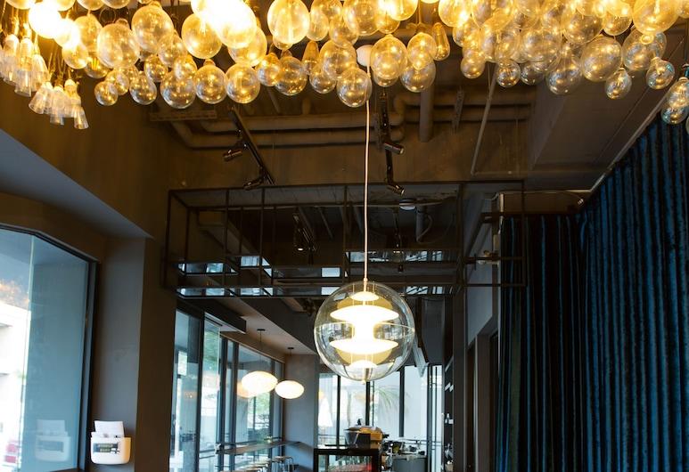 Lumi Hotel, Taichung, Lobby