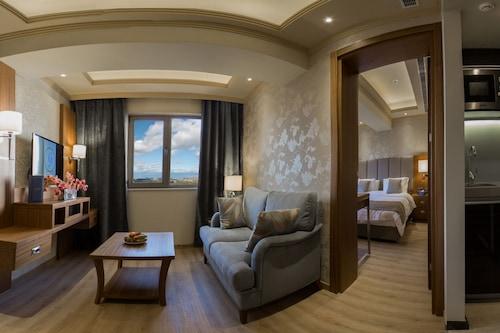 寶石酒店/