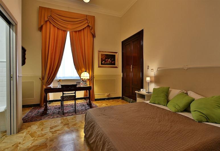 阿里布蘭蒂皇宮酒店, 奇維塔韋基亞, 豪華雙人房, 城市景, 客房