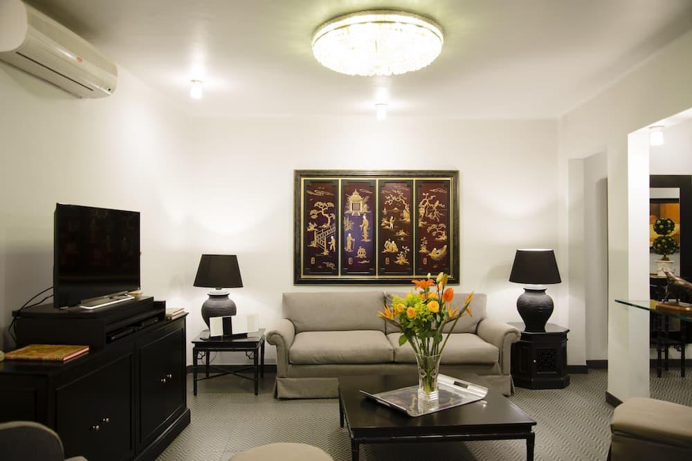套房 (Suite B) - 客廳