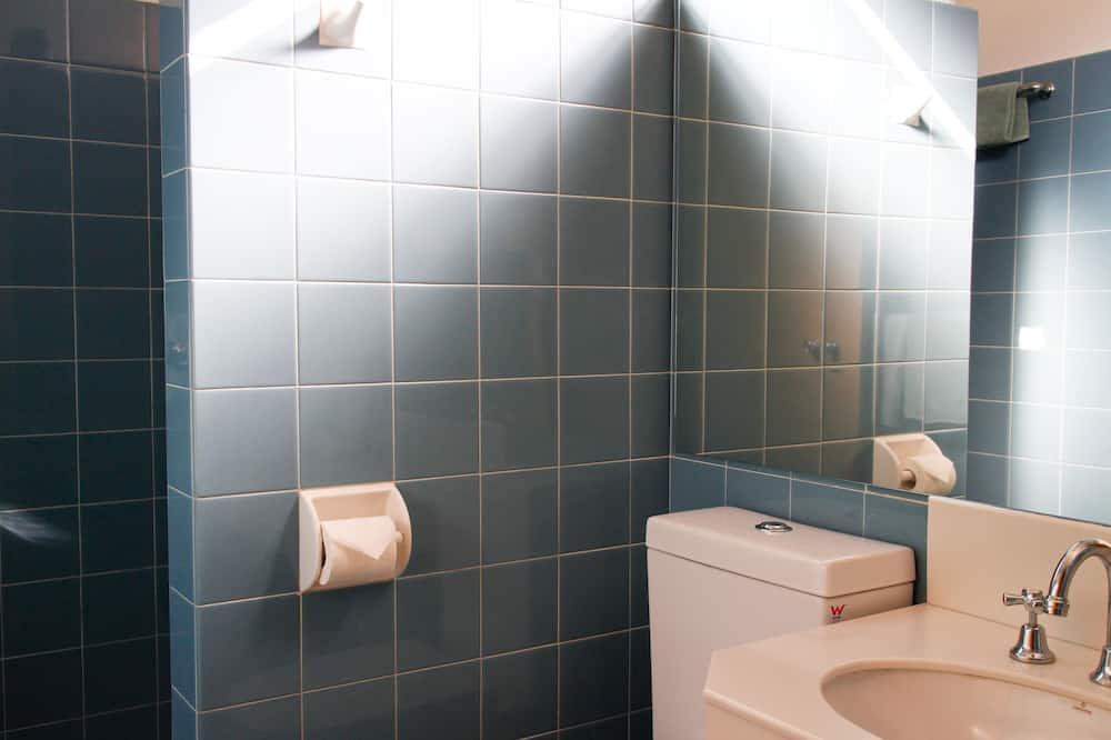 Traditional - kolmen hengen huone - Kylpyhuone