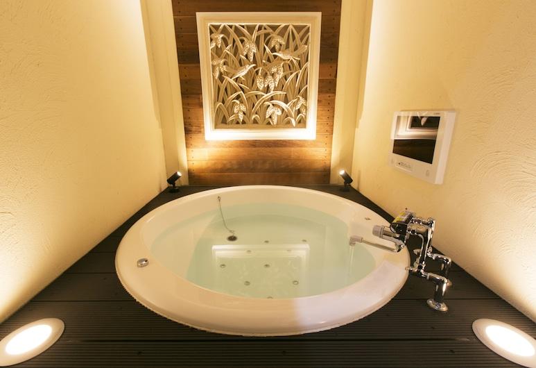 ホテル アトランティス 東大阪店 - アダルト オンリー, 東大阪市, スイートルーム, 深めの浴槽