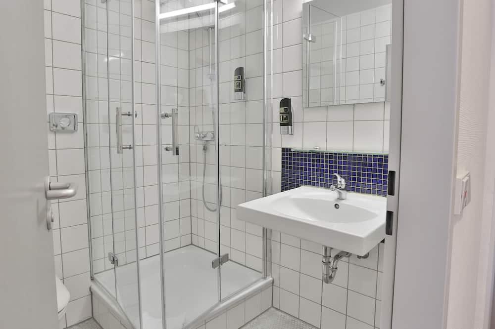 غرفة مزدوجة أو بسريرين منفصلين - لغير المدخنين - حمّام