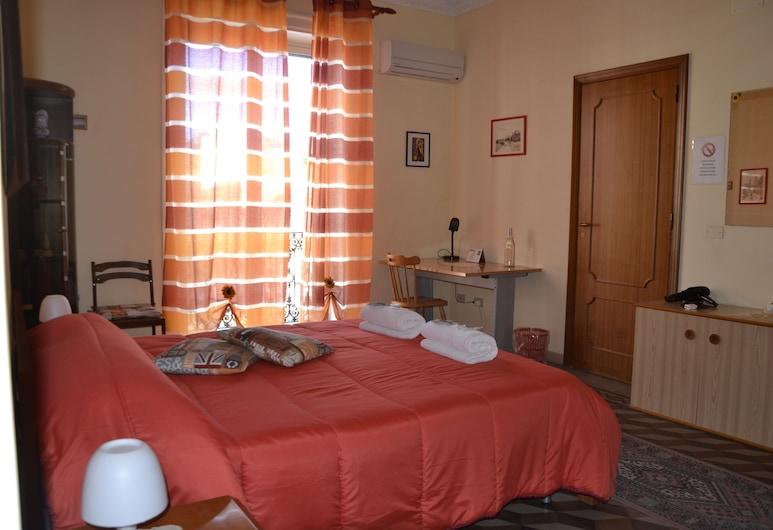 B&B La Fenicia, Palermo, Quadrupla Superior, balcone, vista città, Camera