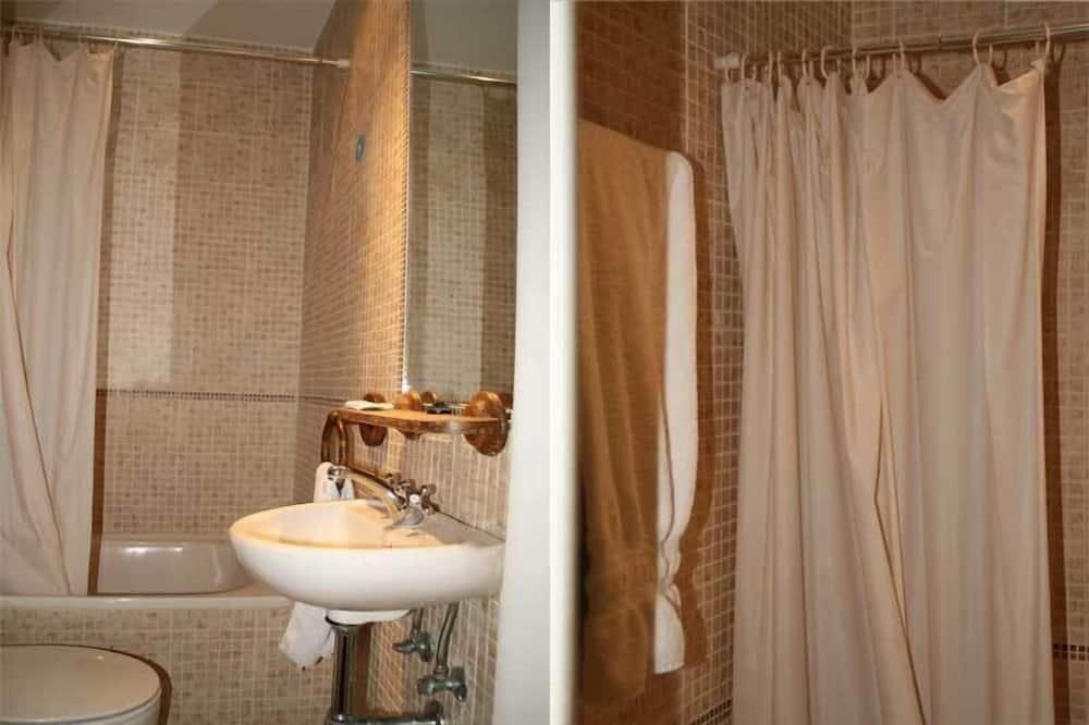 Dvojlôžková izba, 1 dvojlôžko - Kúpeľňa