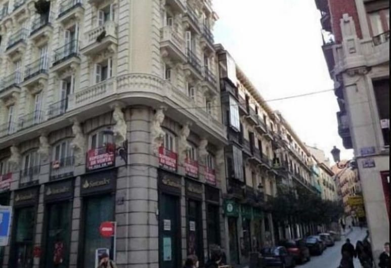 Hostal Hispalense, Madrid, Fachada del hotel