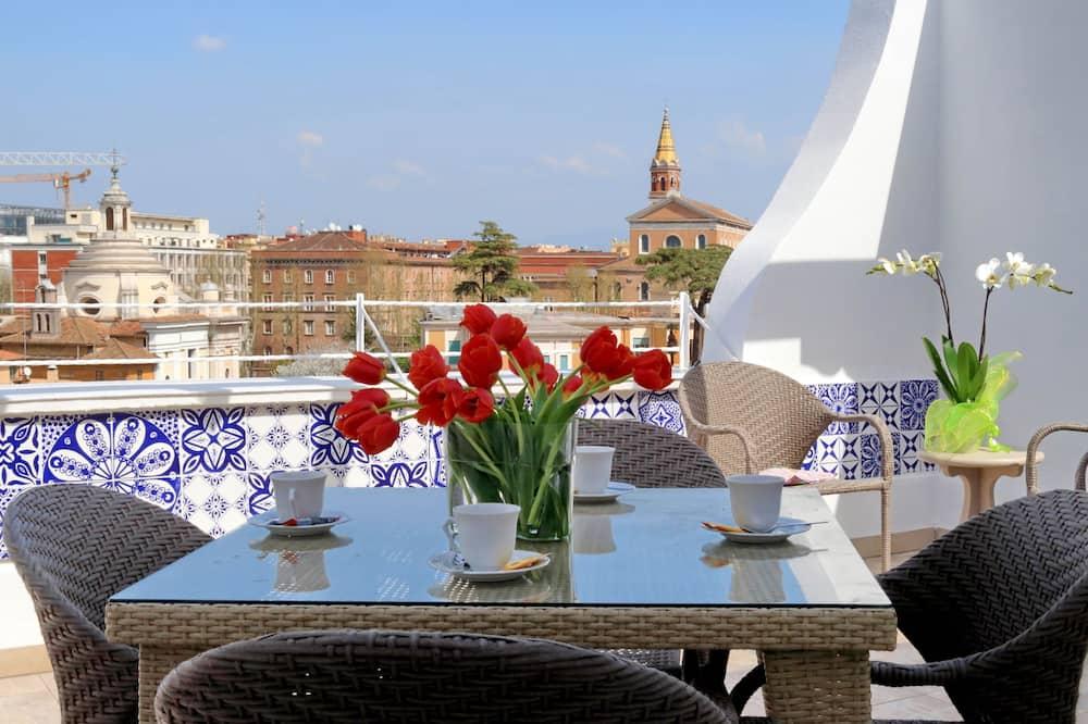 Апартаменти, 3 спальні, тераса (Via San Giovanni In Laterano 250) - Тераса/внутрішній дворик
