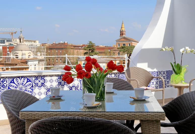 Bellezza al Colosseo B&B and Apartments, Roma, Apartemen, 3 kamar tidur, teras (Via San Giovanni In Laterano 250), Teras/Patio