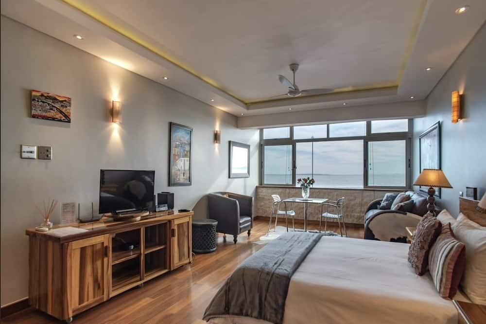 Studio 1 - Mouille Point Beachfront - Living Area