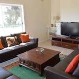 Deluxe House, 6 Bedrooms, Mountain View - Living Area