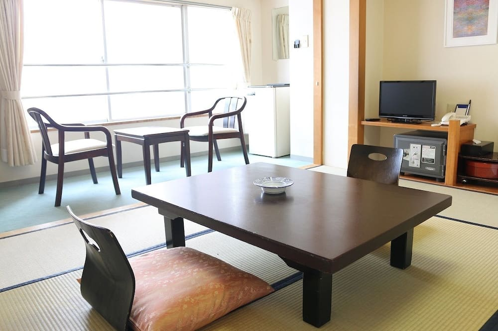 Japanese Style Room, Valley View - In-Room Dining