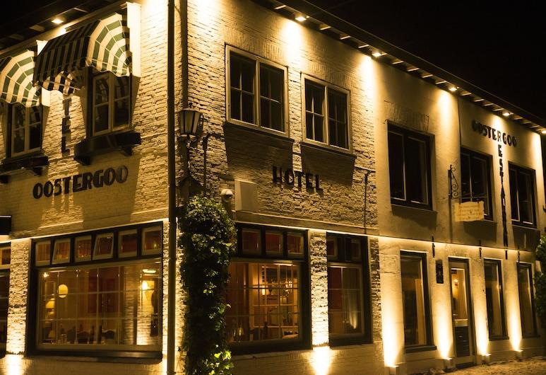 Hotel Restaurant Oostergoo, Grou, Fassaad õhtul/öösel