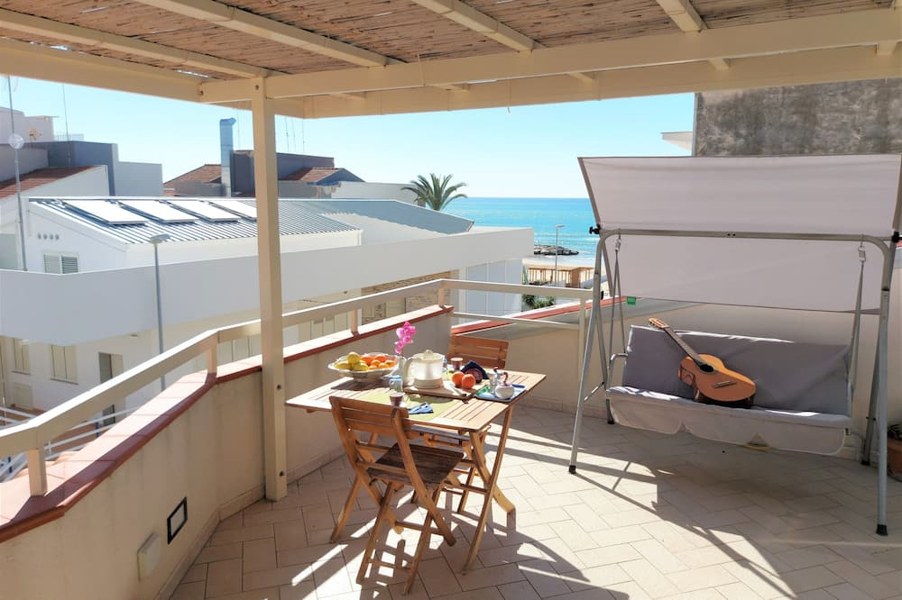 Comfort penthouse, 2 slaapkamers, terras (via Salgari 34 - Marina di Ragusa) - Veranda