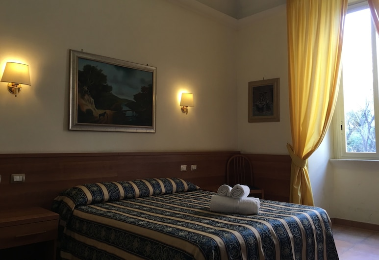 Hotel Bolognese, Rome, Superior Triple Room, Guest Room