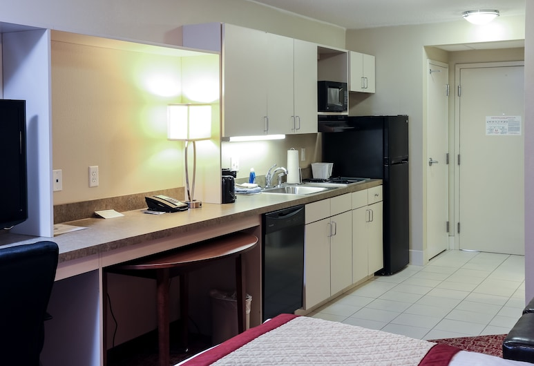The Liberty Lodge Williamsport, Williamsport, Suite, 1 King Bed, In-Room Kitchenette